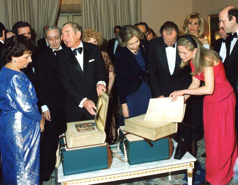 Linda Falter presenting the Alba Bible to the King and Queen of Spain and the President of the State of Israel at the Pardo Palace, Madrid, Spain